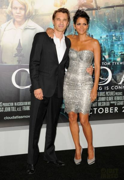 halle-berry-cloud-atlas-premiere-with-olivier-martinez