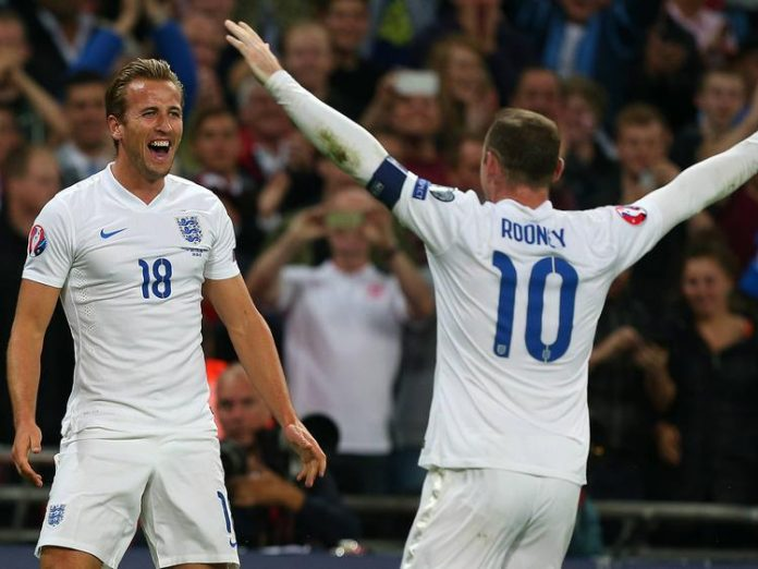 Aktuell Fußball EM Quali England Schweiz Harry Kane of England celebrates scoring his goal to ma