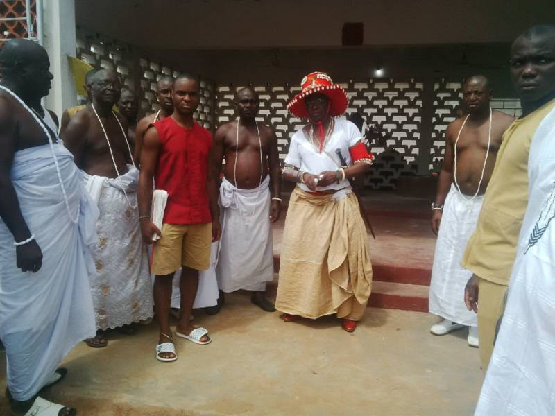 The Crown Prince at the Altar of Oba Ozolua
