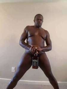 ©Facebook|Weird naked man with drinks -5