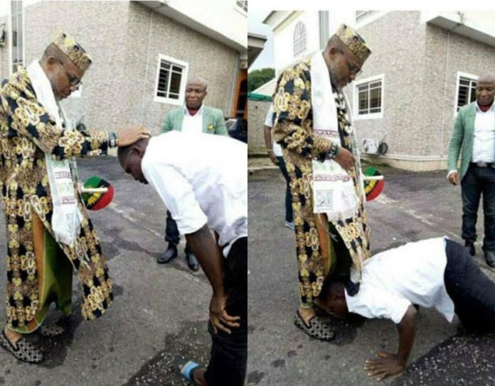 Man prostrates to greet Nnamdi Kanu